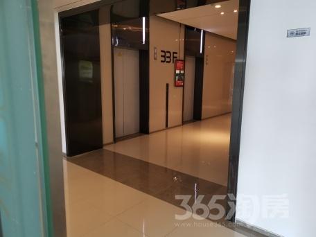 万达茂C座写字楼33层电梯口80平米整租