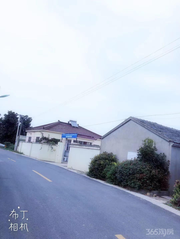 湖熟街道三界社区小陶家边900平有三项电10间左右平房