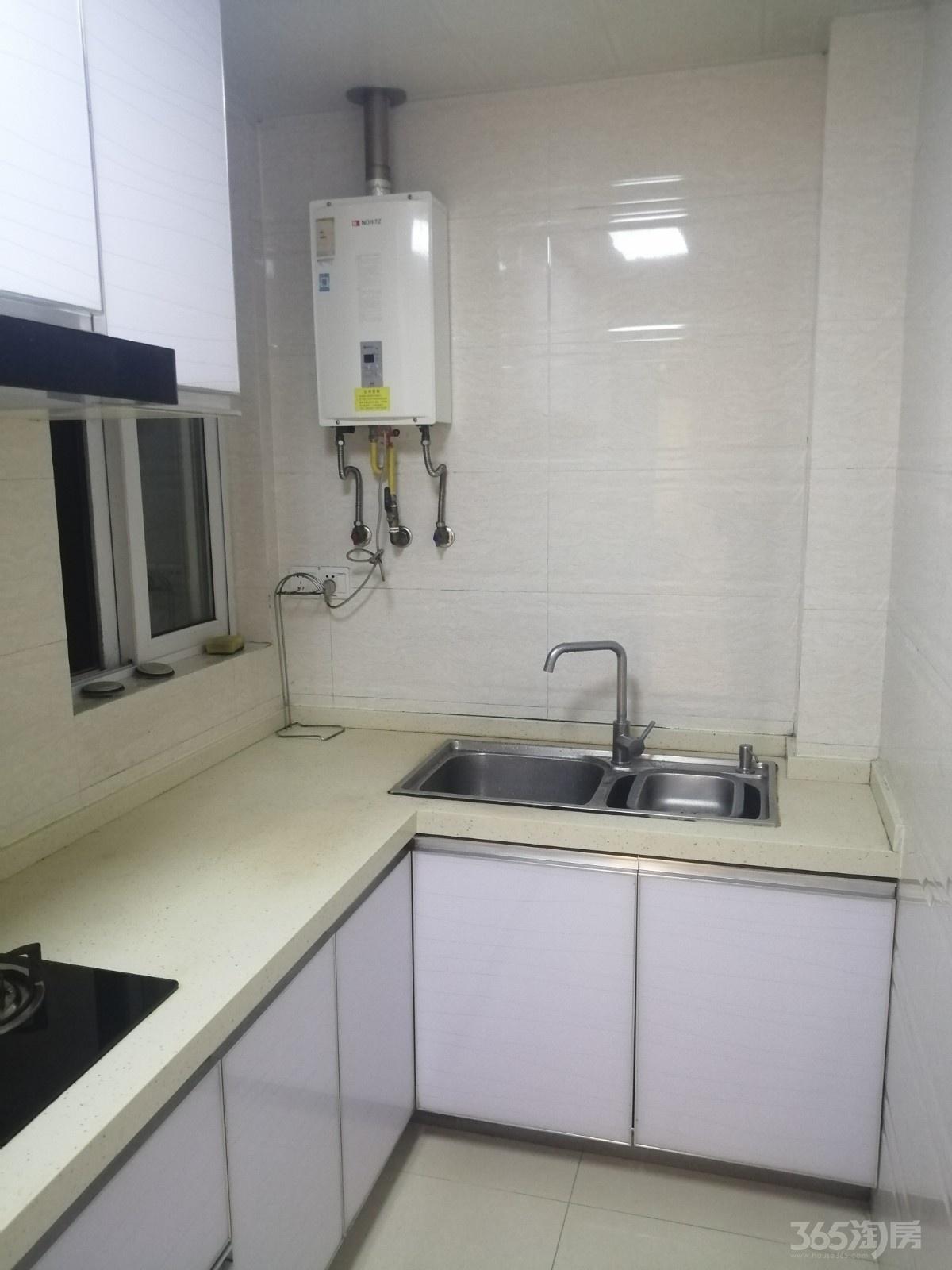 新城春天里2室2厅1卫75平米精装整租 设施齐全