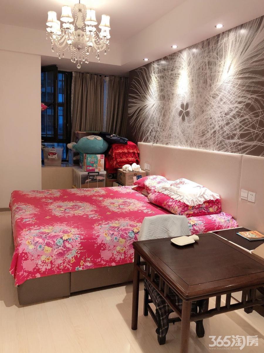 金地自在城第八街区3室1厅1卫113平米豪华装整租