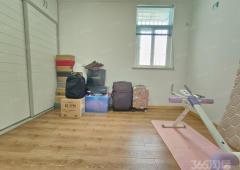 宝华花园 精装修3室2厅 110平 产证齐全 送储藏室 急售