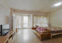 此房业主诚心出售 带阳台 采光好 中高楼层