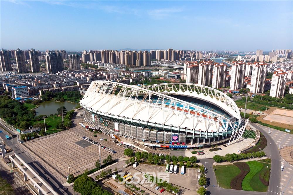 万华南湖春晓外景航拍图(2020.10月摄)