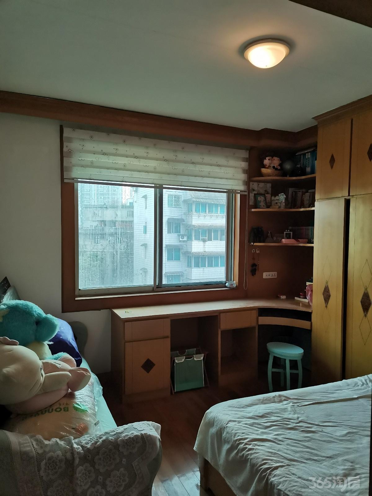 贵阳路安泰C坐501号3室2厅1卫65万元133平方