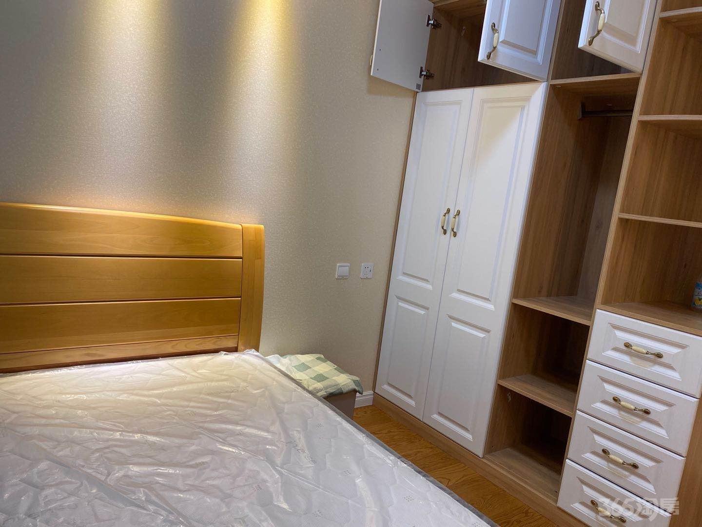 升龙天汇珑尚二期3室2厅1卫101平米整租精装