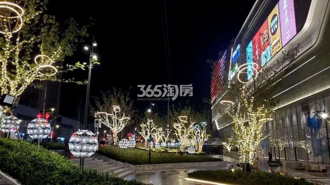 龙湖春江悦茗周边商业配套—龙湖天街夜景(9.24)
