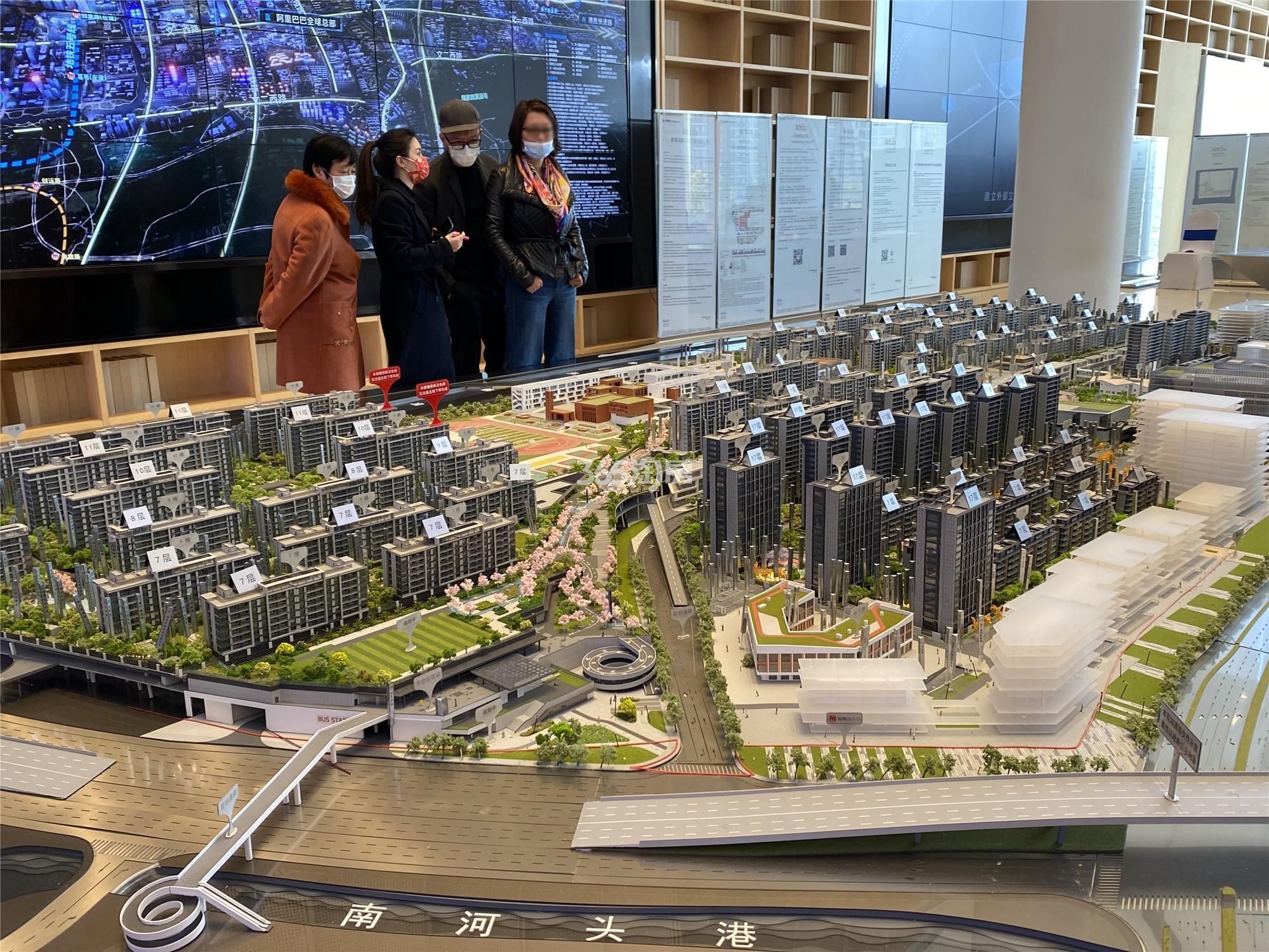地铁万科未来天空之城实景图