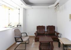地铁口 70年产权单室套 拐角户型 可做成一室一厅 有钥匙