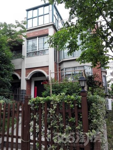 三阳城市花园小区6室3厅3卫250平方米185万元
