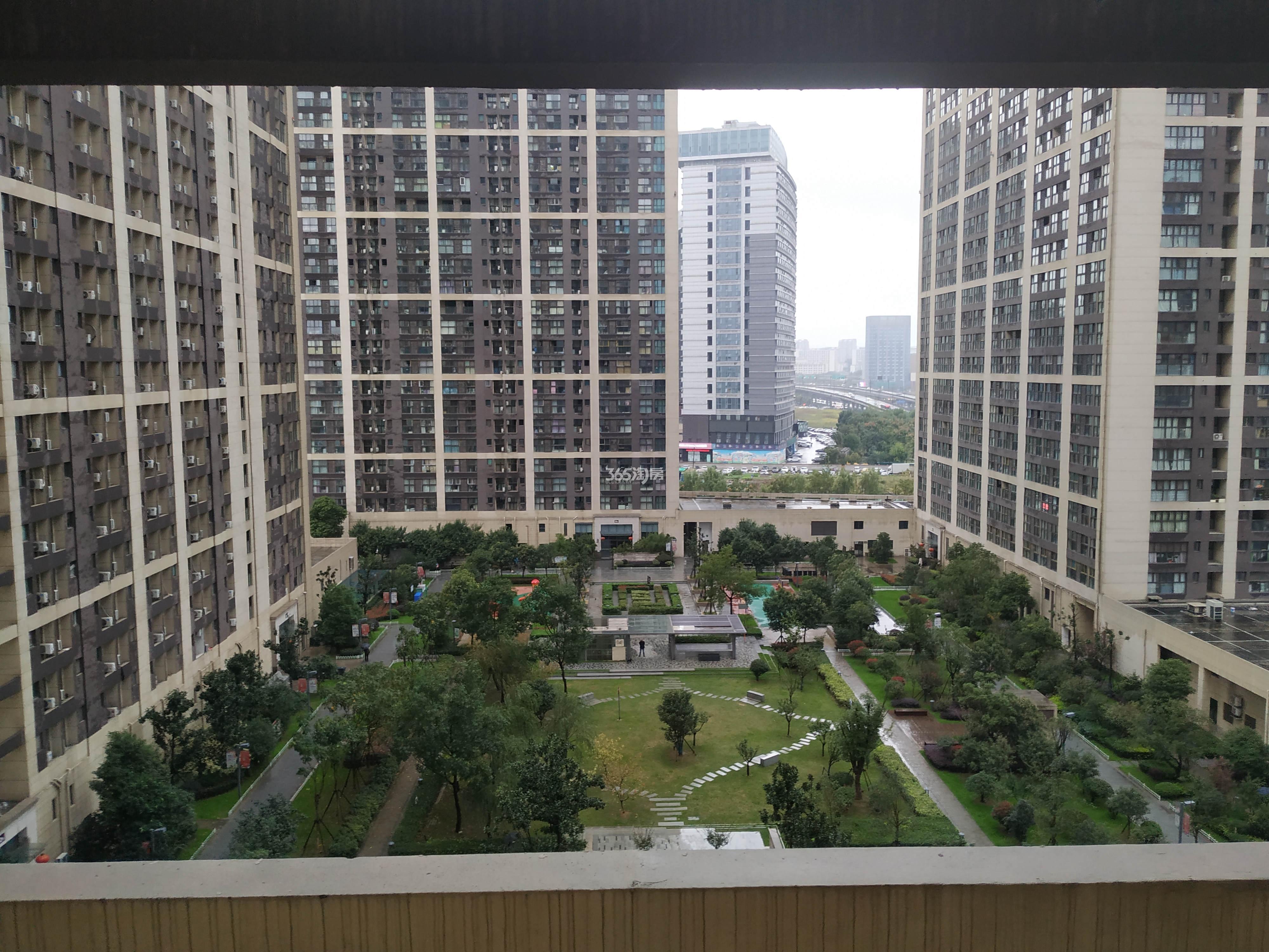 东方万汇城实景图