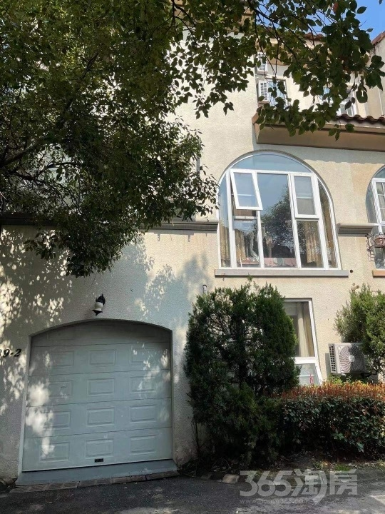 玛斯兰德桃子街区3室3厅3卫280平米整租豪华装