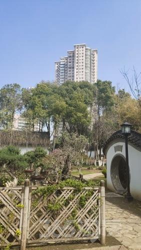 宏安大厦2室2厅1卫110平方米330万元